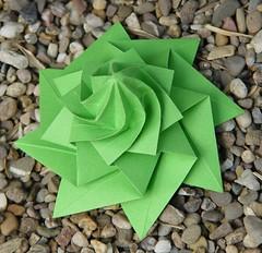 Flowertower von Chris Palmer (Tagfalter) Tags: origami chrispalmer flowertower