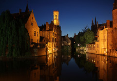 Night falls over Bruges [EXPLORED # 102 on 4/06/11] (Eiona R.) Tags: europe belgium bruges nightshots reflections wfc brugges may2011 explore flickr10