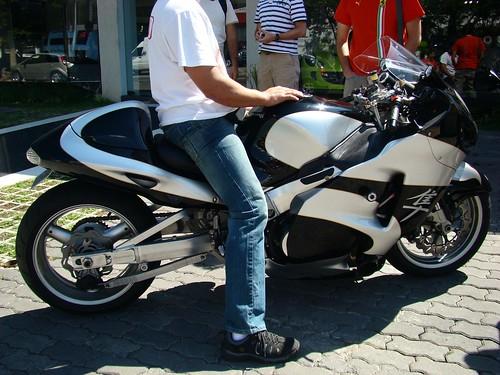 suzuki hayabusa gsx1300r. Stretched Suzuki GSX1300R