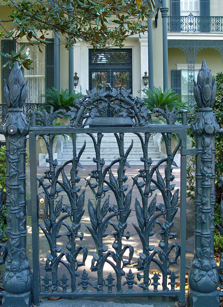 DSC02538 New Orleans Cornstalk Fence