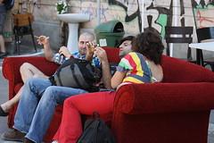 Street Sofa (Catalin Pruteanu) Tags: street june canon arthur strada sofa verona romania delivery bucharest bucuresti iunie canon70300 pictor arthurverona canon400d streetdelivery