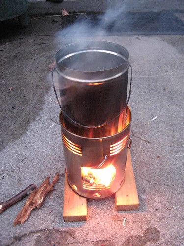 My hobo woodburning campstove