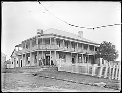 Platts Hotel, [Raymond Terrace, NSW, December 1895] (Cultural Collections, University of Newcastle) Tags: hotel pub australia nsw 1895 raymondterrace ralphsnowball snowballcollection ralphsnowballcollection asgn0674b28 plattshotel newcastleregionnswhistorypictorialworks hotelsnewsouthwales photographynewsouthwalesnewcastle