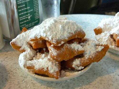Beignets\(French Doughnut\)