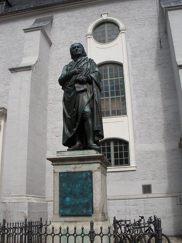 Herderplatz, normally home to Johann Gottfried Herder, for now hosts Liszt.