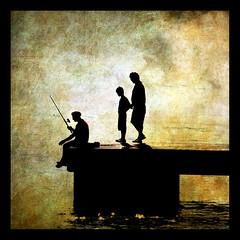 PESCANDO EN CALA BONA. FISHING NEAR CALA BONA (lloren gris) Tags: specialpicture