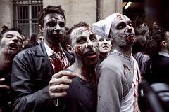 Zombie Walk (078) - 31Oct09, Paris (France) (]) Tags: red portrait man paris dead fun rouge death march blood zombie walk mort crowd makeup gore horror foule sang maquillage marche homme horreur walkingdead zombiewalk unliving mortvivant