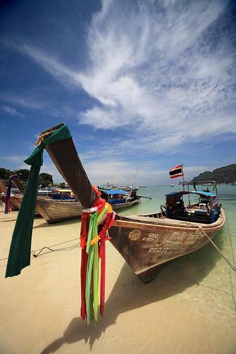 Phuket | Long Tailed Boat @ Phi Phi Island