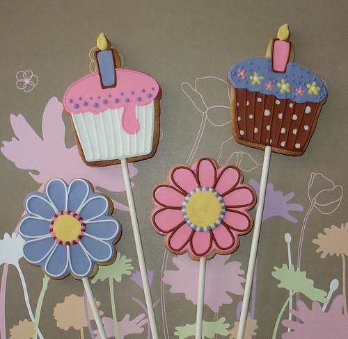 Cupcake & flower cookie pops