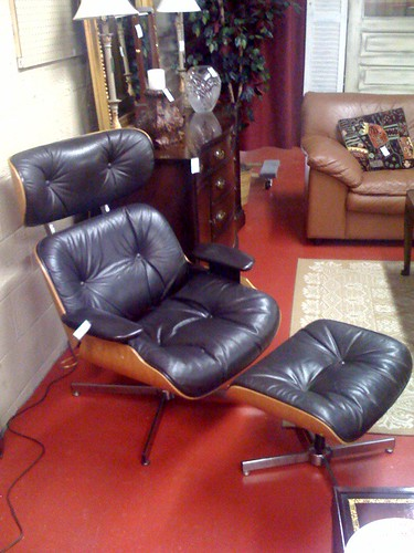 Eames Lounge Reproduction