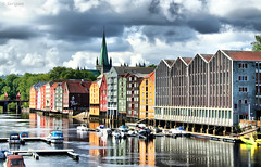 Welcome to Trondheim! (larigan.) Tags: marina reflections trondheim wharfs parkingbuilding nidaroscathedral oldtownbridge bej rivernid larigan phamilton betterthangood licensedwithgettyimages