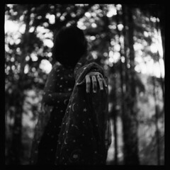 (19/77) Tags: portrait bw 120 tlr film forest mediumformat dof bokeh witch ghost n d76 jungle malaysia horror faceless 1977 negativescan yashicamatlm rm selfdevelop yashinon80mmf35 autaut shanghaigp3100 myasin