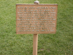 Site of King Arthur's burial - plaque - Glastonbury Abbey (ell brown) Tags: greatbritain england abbey plaque ruins unitedkingdom destruction glastonbury somerset holygrail latin skeletons avalon kingarthur mendip glastonburyabbey reformation enscription isleofavalon englishreformation queenguinevere twoskeletons hollowoaktrunk leadencross openplaques:id=8344