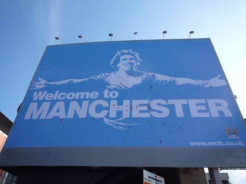 Man City welcomes Carlos Tévez to Manchester