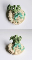 Ocean brooch - No56 (findevogel) Tags: white art beads brooch crochet textileart häkeln freeformcrochet brosche textilkunst häkelschmuck gehäkelterschmuck häkelkunst crochetjwellry gehäkeltekunst