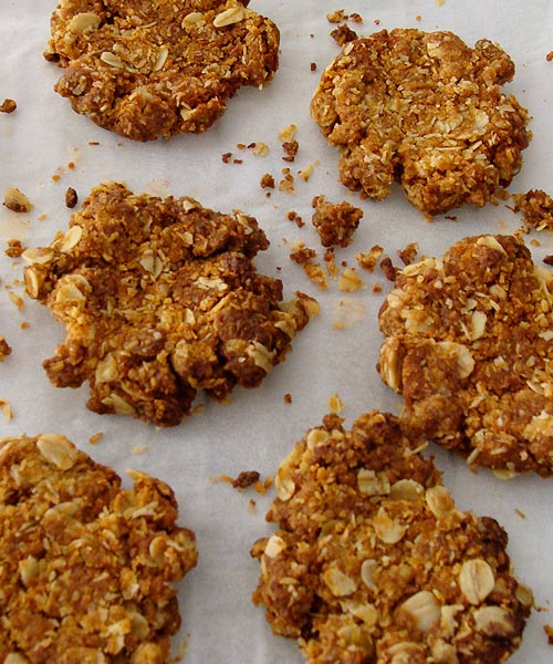 ANZAC-biscuits-cooling