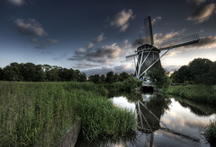 Windmill at the Amstelpark - Part II (Raf Ferreira) Tags: sunset sky lake holland reflection netherlands windmill amsterdam clouds canon europe rafael hdr amstelpark ferreira peixoto xti 400d