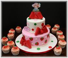 Strawberry Shortcake (Cakes by Maylene) Tags: cake cupcakes strawberries birthdaycake strawberryshortcake fondant funcake fondantcake whimsicalcake cakesbymaylene