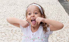 na-na-na-na-na-na.... (Biodisk) Tags: baby girl kid lngua honey garota criana blondie menina girlie tricky careta badgirl garotinha menininha badbehavior caretinhas maucriao