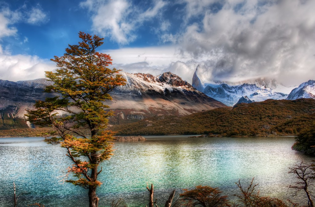 Stopping for Lunch at the Emerald Lake in the Andes (and a new photo-sharing thing)