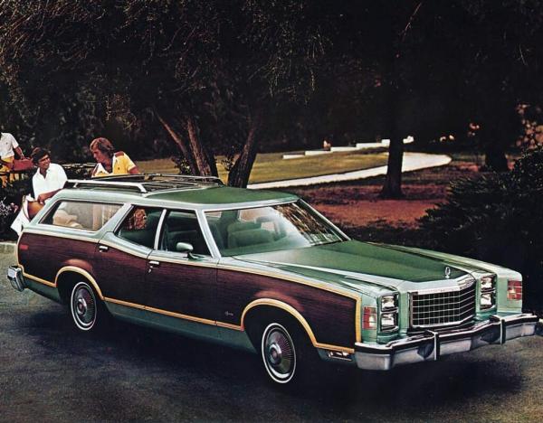 1977FordLTDIISquire