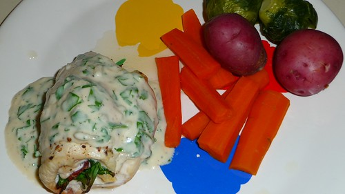 Stuffed chicken with steamed vegetables