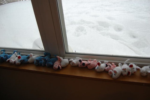 Ignore the crocheted mice.  Notice the SNOW!!