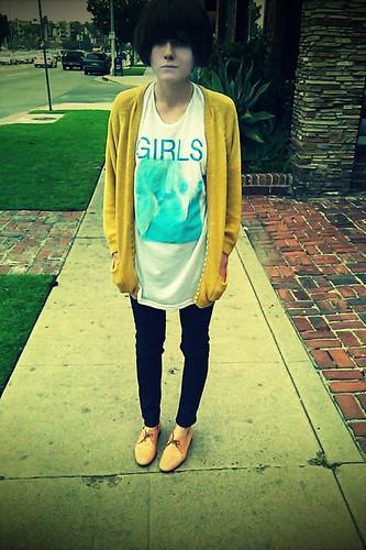 girl's (the band) shirt
