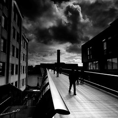 Millenium Bridge (.Rohan) Tags: bridge white black london blancoynegro museum modern square tate millenium filter reilly rohan cokin explored
