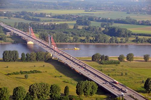 Le pont de la paix (Lamartine)
