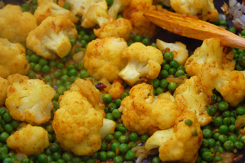 Cauliflower and Peas with Spices