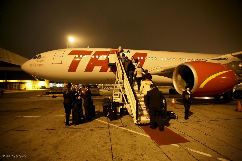 The Magic Red Carpet - Tam A330-200