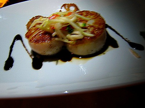 Pan Seared Scallops with Balsamic Reduction