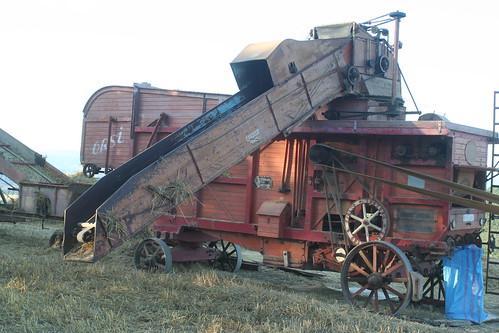 Old hay baler_7545