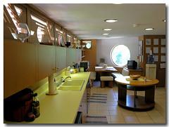 Duey Wright House Interior III, Wausau, WI (Colorado Scenics) Tags: p8042849 franklloydwright dueywrighthouse 1958 wausauwi wausau usonian olympusc8080z olympusc8080 olympusc8080digicam olympusc8080wz