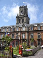 Boulogne-sur-Mer: Town Hall and Belfry