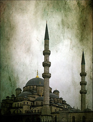 Call to Prayer (Sator Arepo) Tags: leica architecture turkey minaret istanbul mosque explore frontpage digilux yenicamii newmosque 1450mm digilux3 validesultan retofez100330