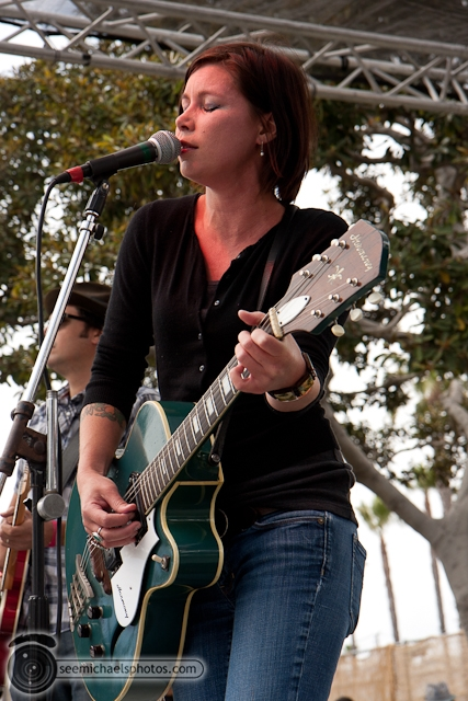 Nena Anderson and the Mules at Gator by the Bay 50811 © Michael Klayman-005
