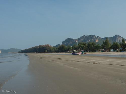 Sam Roi Yot Beach