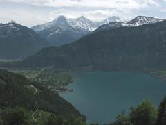 Eiger - Mönch - Jungfrau - Thunersee , Kanton Bern , Schweiz (chrchr_75) Tags: hurni christoph schweiz suisse switzerland svizzera suissa swiss kanton bern berne berna chrchr chrchr75 chrigu chriughurni 0905 bärn berner oberland berneroberland thunersee alpensee see lake lac sø järvi lago 湖 landschaft landscape natur nature wasser water kantonbern albumthunersee chriguhurni eiger bergeiger albumeiger alpen alps berg mountain hurni090521 mai 2009 albumzzz200905mai albumdreigestirneigermönchjungfrau dreigestirn mönch jungfrau montagne