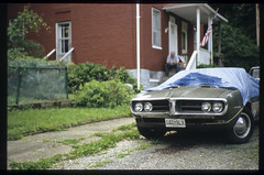 goodbye Pontiac (patrickjoust) Tags: auto usa house color film car television analog america 35mm vintage lens ed prime us tv nikon focus automobile flickr fuji scanner united hill patrick maryland rangefinder slide baltimore v chrome pontiac states manual rap 50 expired joust 35 e6 wetzlar estados defunct reversal unidos leitz woodberry autaut zeisscsonnar50mmf15 lovelycity patrickjoust