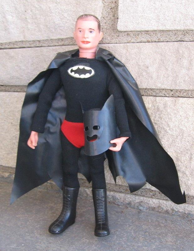 batman_redboxknockoff1