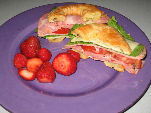 my GF bagelwich with MI strawberries
