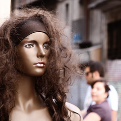 Black Magic Woman (juli_modul) Tags: barcelona street urban mannequin sony bcn urbana catalua theothers maniqui dscr1 bej blackmagicwoman platinumphoto elsaltres