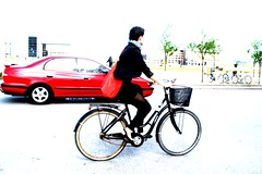 Redmotion (velomama) Tags: urban woman girl bike bicycle copenhagen denmark mujer chica cyclist femme transport cycle commute stadt frau bicyclette kopenhagen fille fahrrad vlo fiets cycliste urbain copenhague cyclechic