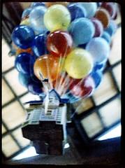 Up (efo) Tags: house color up balloons floating 127 pixar animation agfaportrait160 baldarigona
