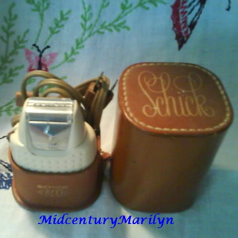 Shaver Vintage Schick 20 Ladies Electric Cord and Original Box Excellent Condition