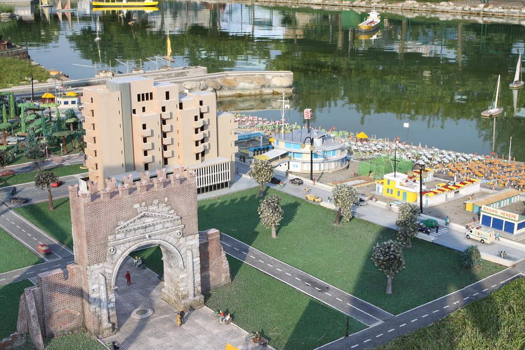 Arco di Augusto e Rimini ad Italia in Miniatura