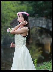 nEO_IMG_DP1U0272 (c0466art) Tags: school light portrait motion flower cute nature girl female canon pose happy bride energy asia pretty little action sweet outdoor quality gorgeous young alive feeling lovely cloth pure hight 1dx c0466art