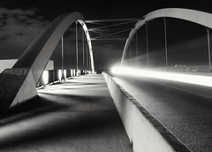 Black Night... White Light (tobiaskruppa) Tags: brücke bridge night nach longexposure timeexposure langzeitbelichtung sony hx400 schwarz weis schwarzweis black blackwhite
